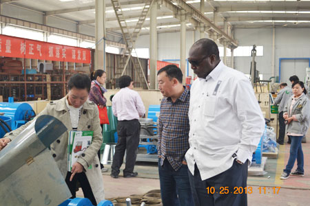 showing oil expeller machineto customer